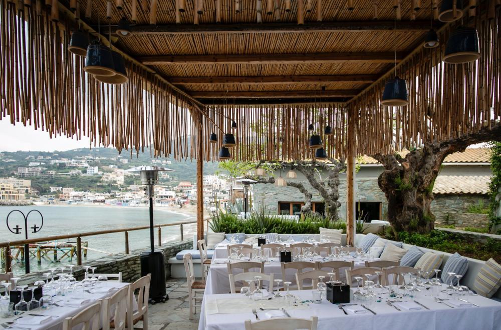 La décoration personnalisée des tables et buffets de soirée