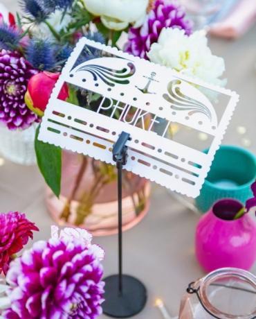 Un mariage à la décoration colorée sur L'ile Degaby