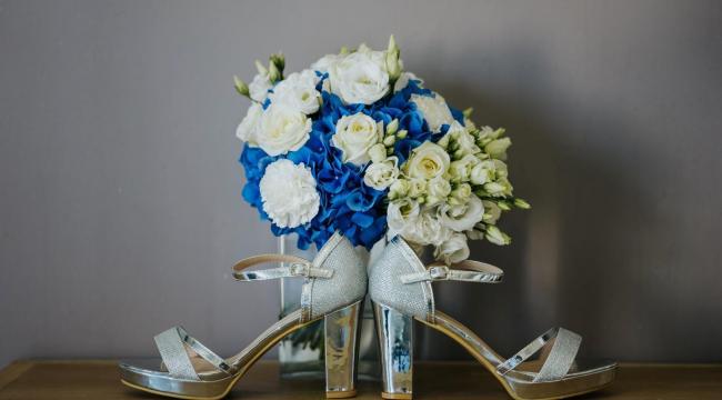 Les fleurs bleues, rares mais si chics en décoration