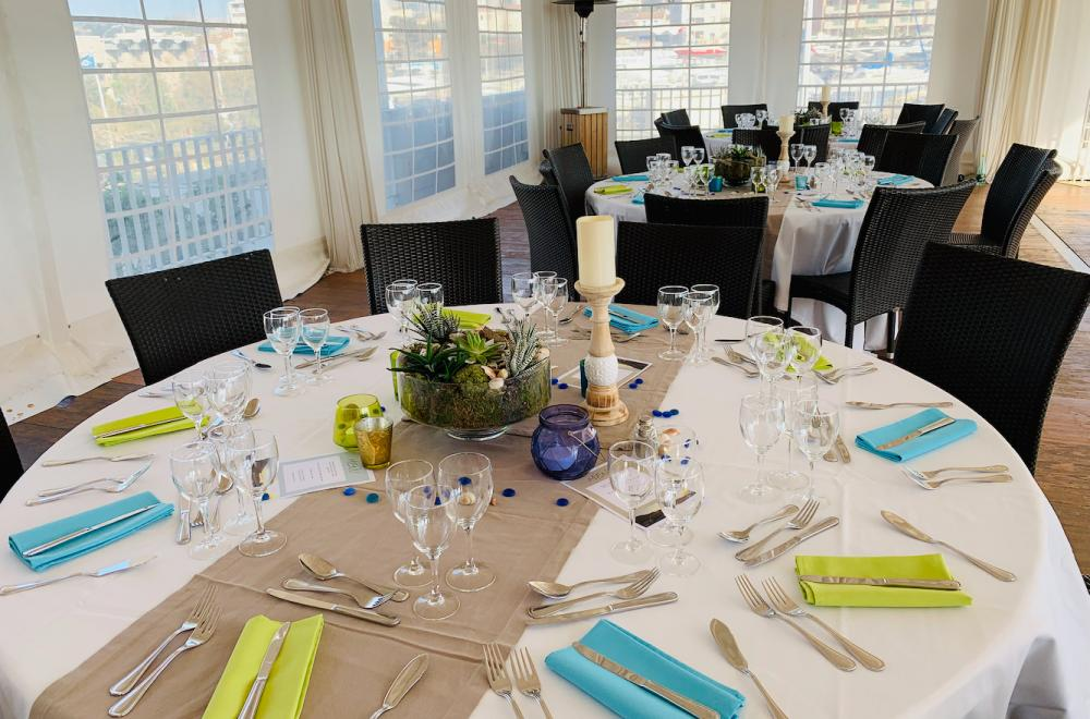 Les chemins de table, couleur et theme sur la table
