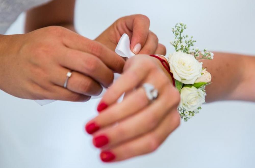 bouquets, boutonnières, couronnes, bracelets