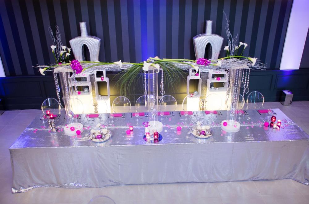 décoration de la table d'honneur