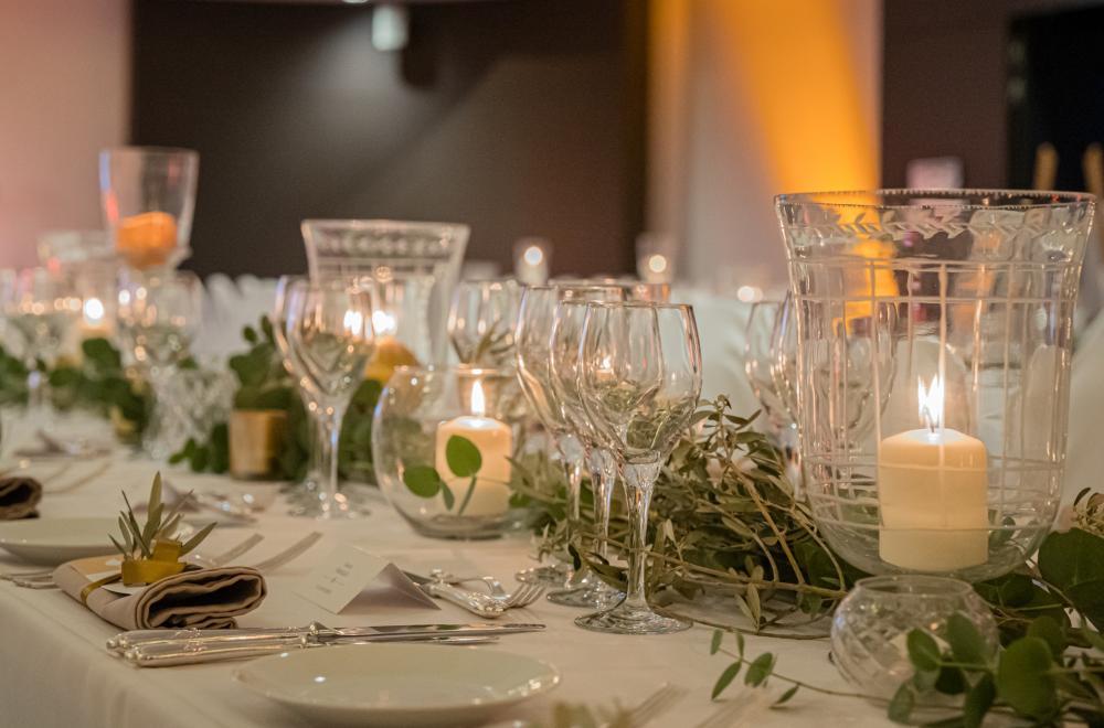 L'Intercontinental Marseille, de longues tables aux 1000 bougies
