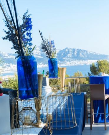 La décoration personnalisée des tables et buffets de votre soirée