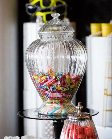Bar à bonbons, le Candy bar, douceurs et déco du mariage