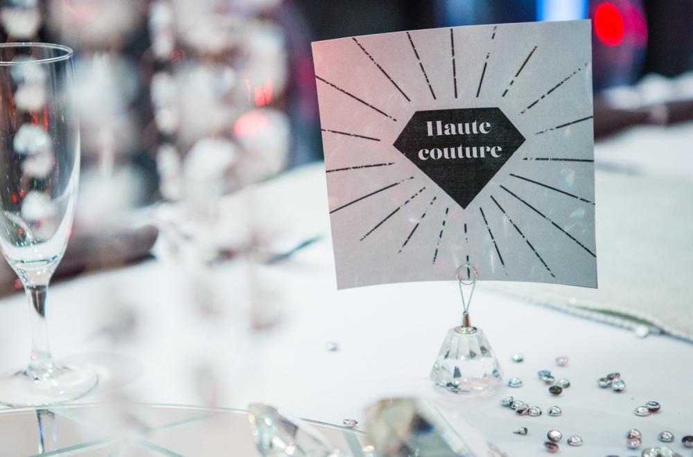Décoration de tables pour un mariage Bling Bling ou scintillant