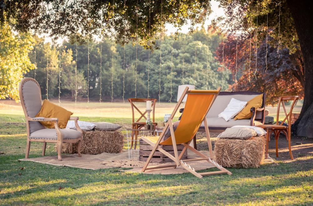 Mobilier Lounge, pour une soirée bohème, champêtre ou vintage