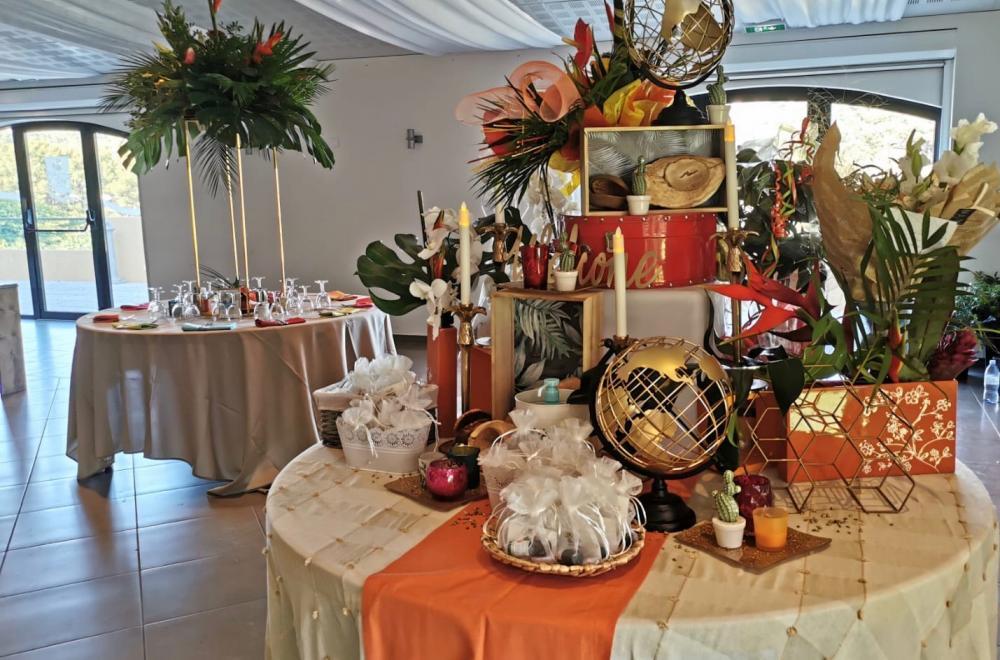 La table d'accueil, ou le thème du mariage dévoilé