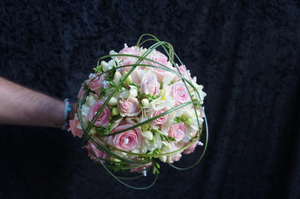 Mariage d co romantique rose et gris bandol for Deco rose et gris