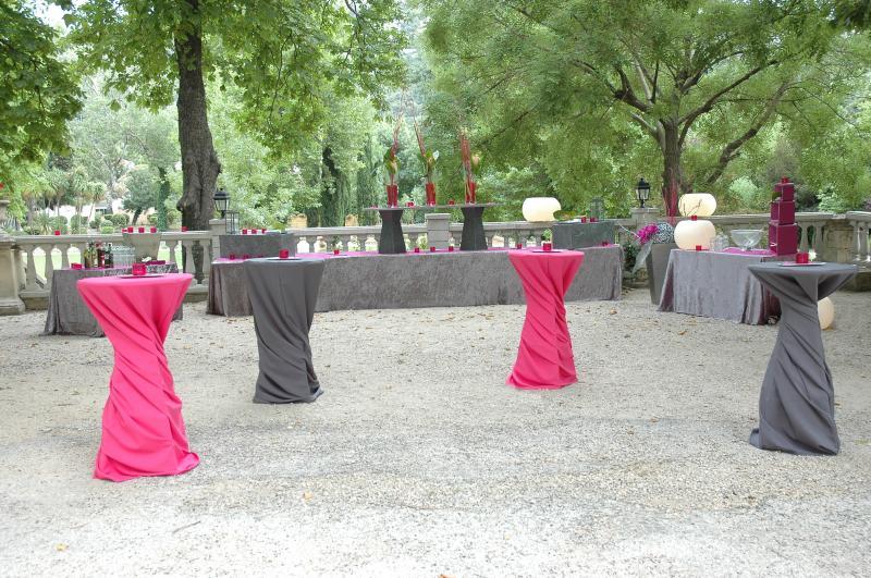 Location de mange debout marseille aix en provence 13 for Decoration table buffet dinatoire