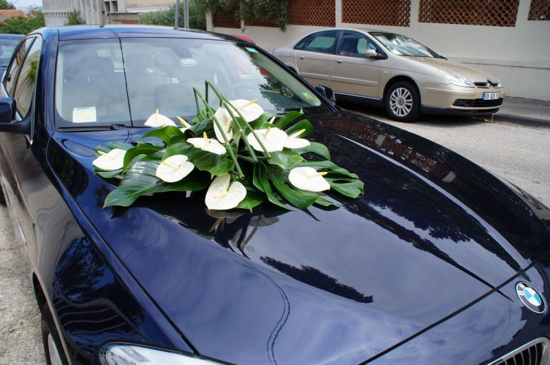 La déco de la voiture des mariés - Décoration Mariage Marseille Aix ...