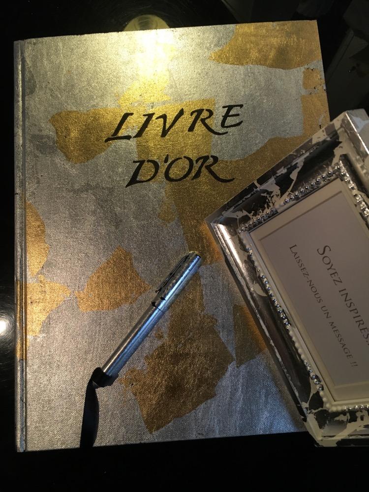 urne et livre d 39 or sur mesure mariages marseille aix en provence 13. Black Bedroom Furniture Sets. Home Design Ideas
